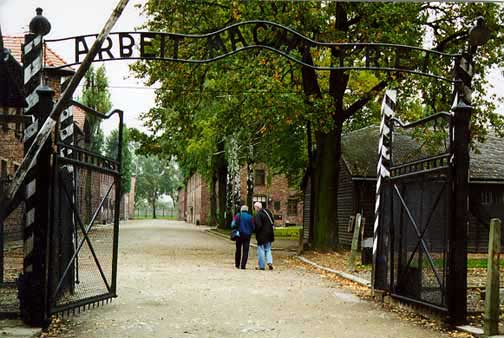 Two tourists entering the Auschwitz main camp in 1998