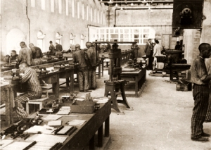 Prisoners working in the Bobrek factory