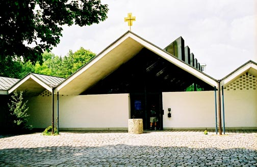 Tiny cross on Catholic convent offends the Jews
