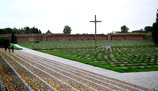Graves in front of Small Fortress