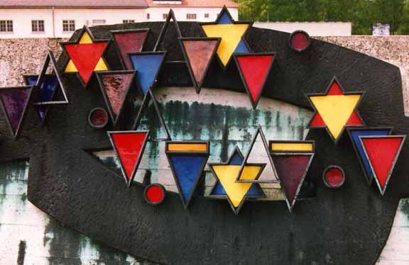 Dachau triangle sculpture