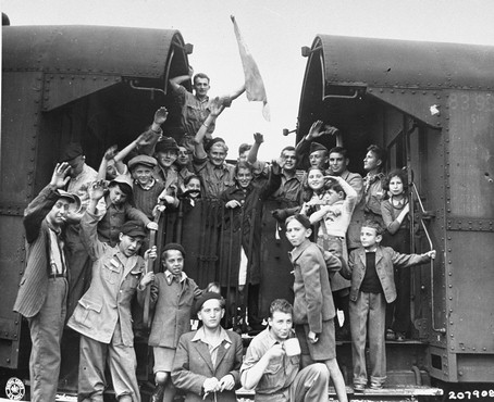 Buchenwald orphans leave on a train bound for France