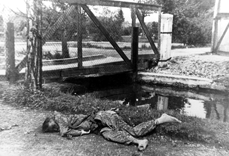 SS soldier who had been sent from the battlefield to surrender Dachau