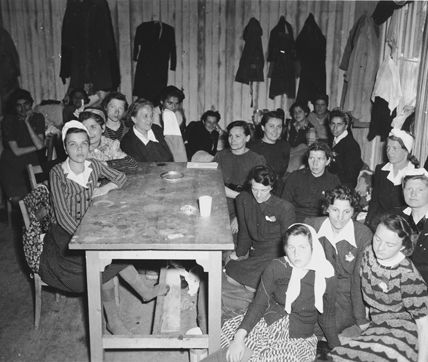 Women prisoners who had recently arrived at Dachau