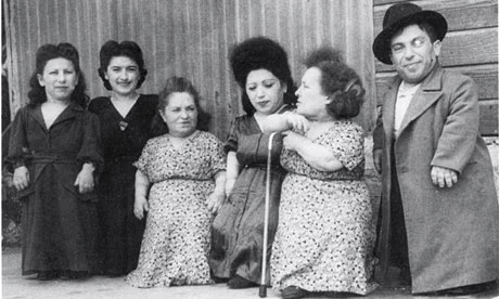 Members of the Ovitz family of dwarves who were sent to Auschwitz