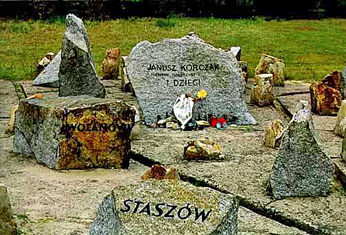 Stone in honor of Janusz Korczak at Treblinka