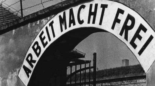 Photo of Arbeit Macht Frie gate