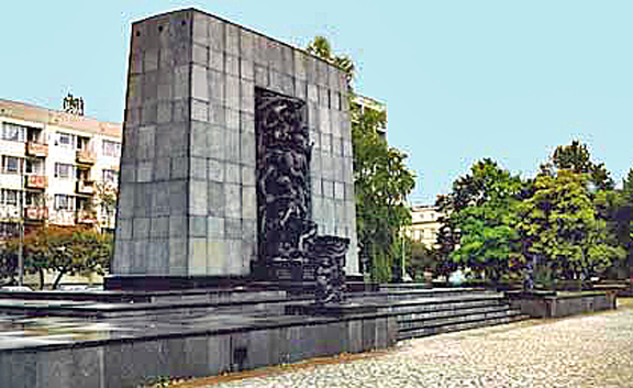 Memorial to the ghetto fighters in Warsaw