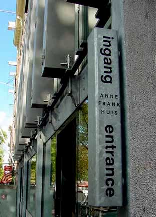 Sign at the entrance to the Anne Frank house at 267 Prinsengracht street