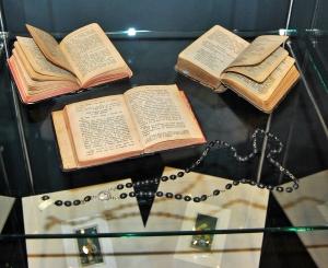 Prayer books used by prisoners at Majdanek Photo Credit: José Ángel