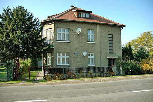The front of the house where Commandant Rudolf Hoess lived