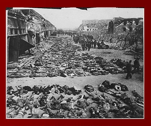 Bodies laid out at Nordhausen were the bodies of prisoners killed by an American bomb
