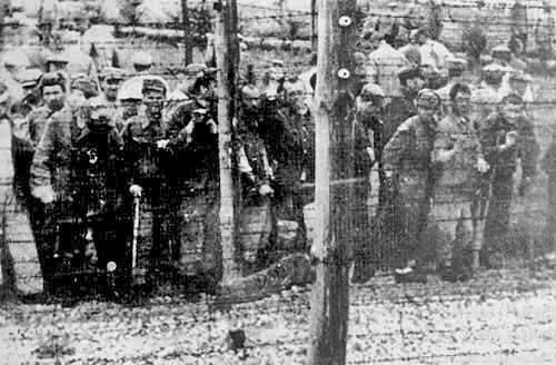 Russian POWs who had defected were left behind at Majdanek