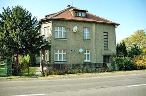 hoesshouse01