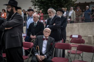 Holocaust survivors gather to remember the Holocaust