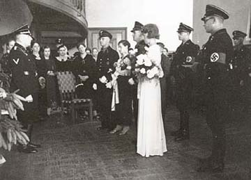 SS man marries a German woman at Wewelsburg castle