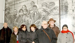 Another photo of Auschwitz child survivors who are still alive