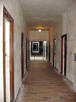 My photo of the Dachau bunker is similar to a photo by Caitlin