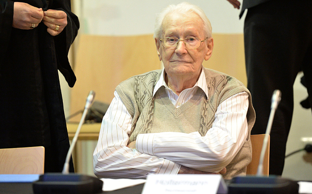 Oskar Groening in court (Julian Stratenschulte/AFP) Is this the face of a depraved killer?