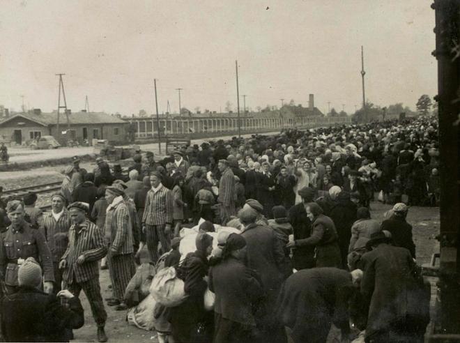 AuschwitzKremaII