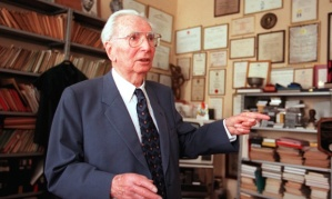 ATTENTION NICK RICHMOND - SPCL GUARDIAN Recent file picture of Austrian physiologist Viktor Frankl  who died 02 September at the age of 92. ==SPCL GUARDIAN==