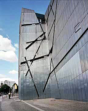 Building designed by Jewish architect is in Berlin
