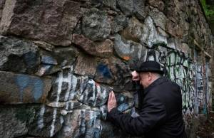 Memorial to Lithuanian Jews killed in the Holocaust is  coming down