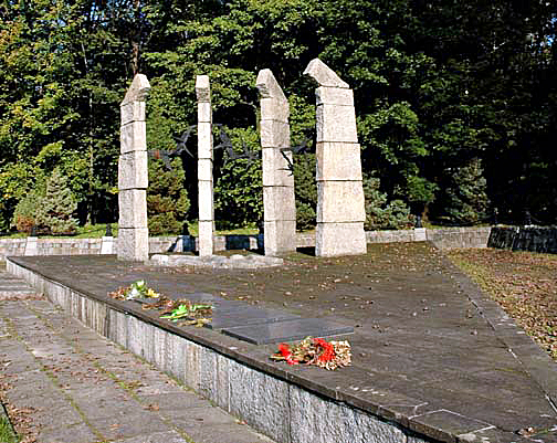 Monument to the Jews who died at Monowitz