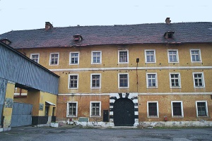 The Dresden barracks for women had a courtyard where the prisoners could play soccer
