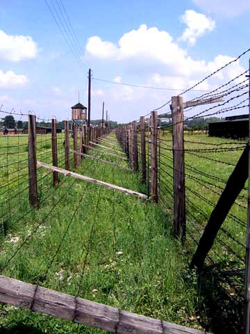 The Majdanek camp had a double fence around it