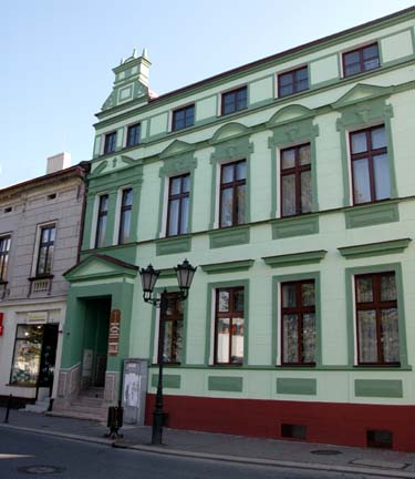 Building on the town square