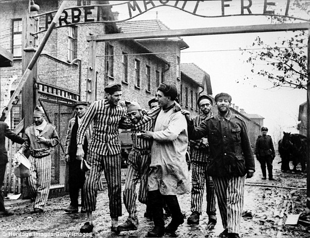 This photo of Auschwitz survivors is shown in news article