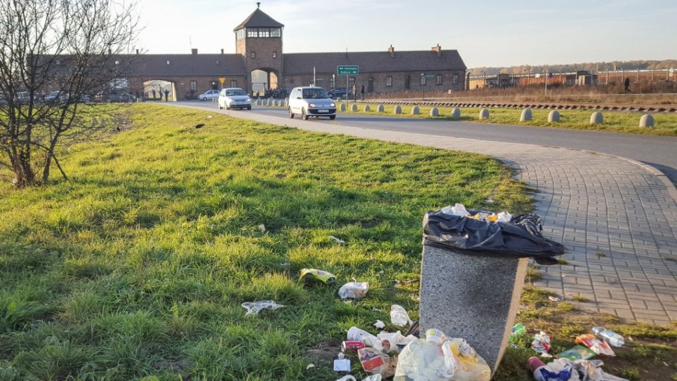 Garbage on the road outside the Auschwitz-Birkenau memorial site