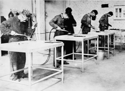 Prisoners at work at Monowitz