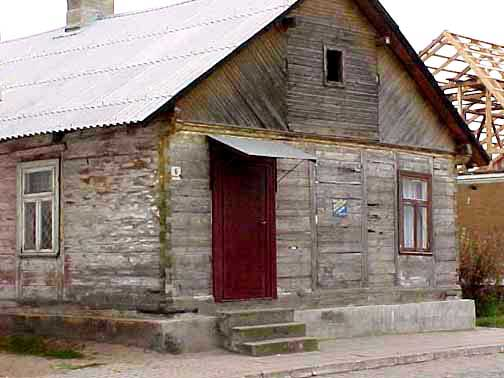 My 1998 photo of a house in Tykocin, Poland