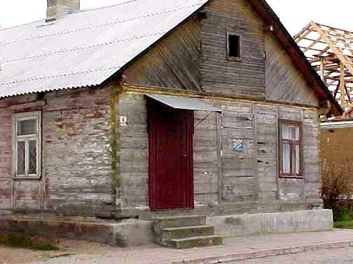 My 1998 photo of a house in Tykocin, Poland