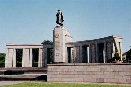 Monument in honor of the Russians who liberated Berlin from the Nazis