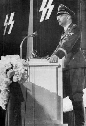 Himmler giving a speech to German soldiers