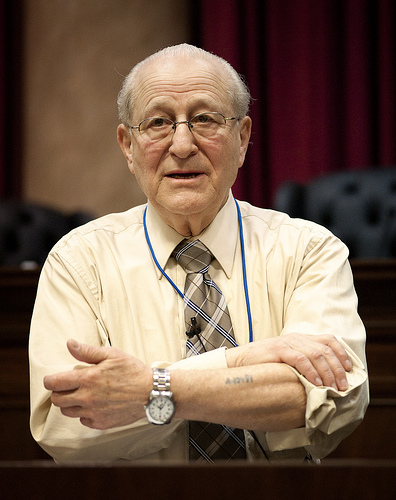 Holocaust survivor Irving Roth