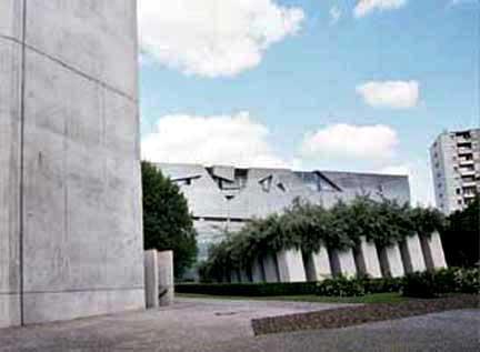 Jewish art in Berlin by Daniel Liebeskind