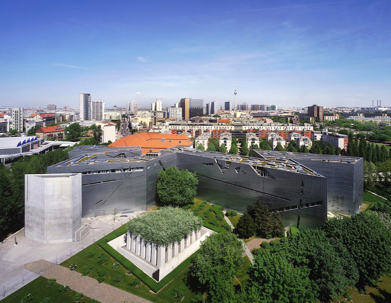 This photo of the Jewish Museum in Berlin is included in the news article